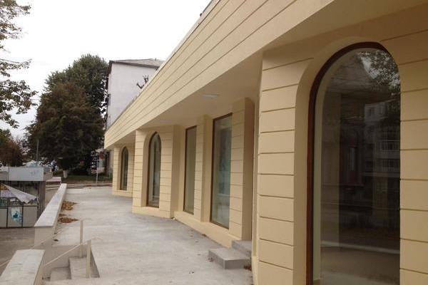 Proiect amenajare finisaje exterioare si interioare spatiu comercial