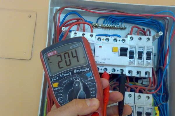 tablouri-electrice-case6C556089-EAAC-8D04-1FEF-7E69F1A9A32D.jpg