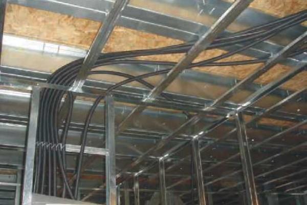 electrice-instalatii-pardoseala92313C9E-4327-7481-9BF2-2CDF1A45282E.jpg