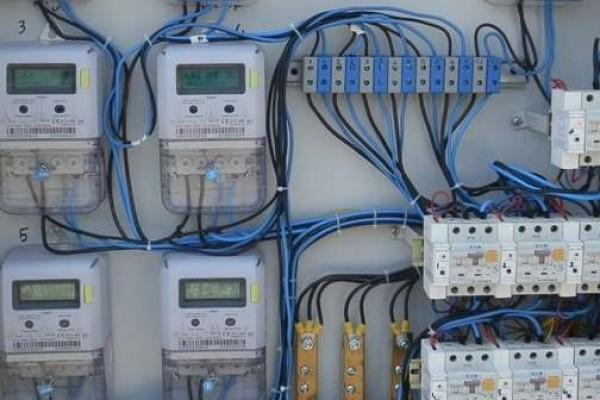 instalatii-electrice-bransamente-bloc-247CFFE2E-D889-2830-216E-3A83F8A7076D.jpg
